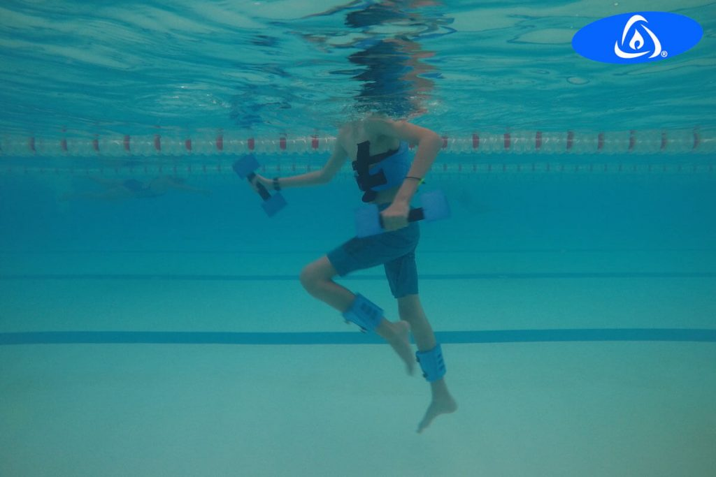 Aquatic exercises to increase muscle strength and functionality in a person with osteoarthritis.